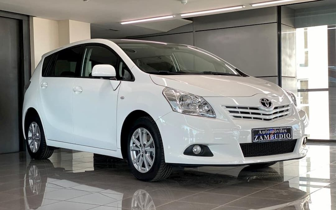 Toyota Verso 2.0 D-4D SkyView Edition 3